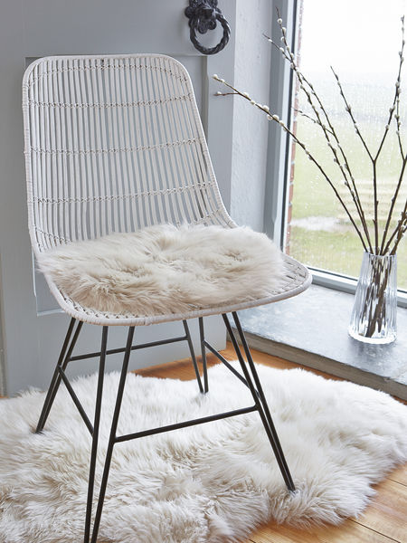 Luxurious Sheepskin Seat Cover Champagne Nordic House