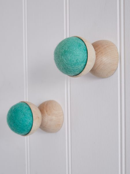 Hand-Crafted Wall Hanger - Pistachio