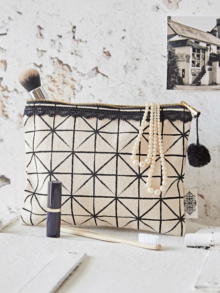 Geometric Print Make Up Bag - Ivory