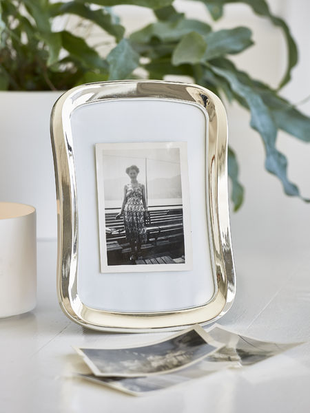 Curved Picture Frame