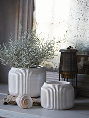 Pearlescent Rilled Plant Pots