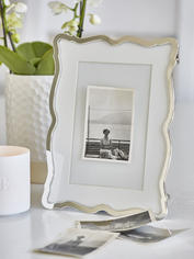 Elegantly Shaped Picture Frame