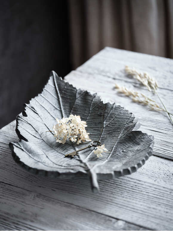 Organic Leaf Shaped Bowl