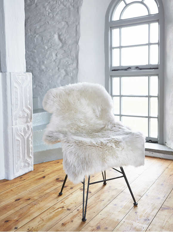 Luxurious Sheepskin Rug - Champagne