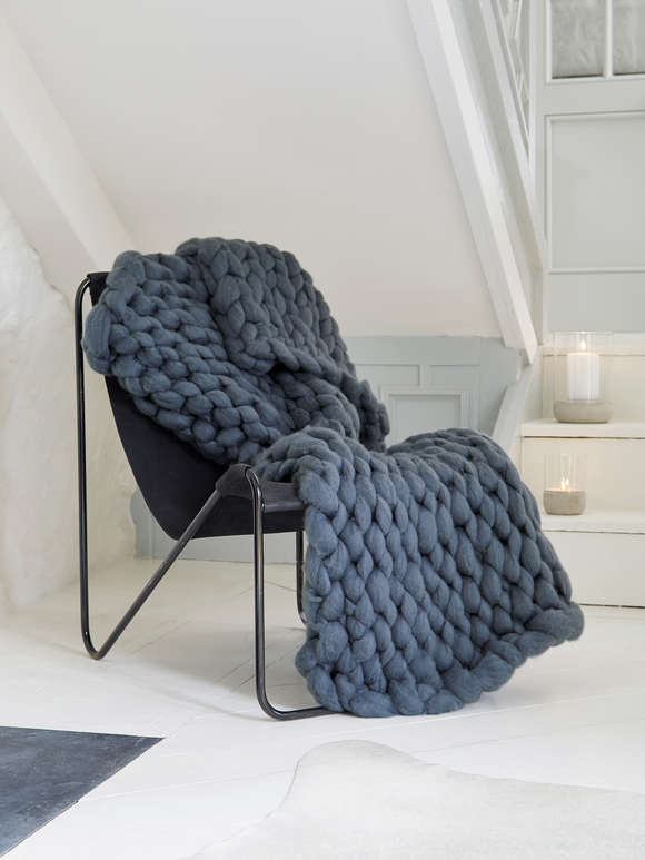 Super Chunky Knit Blanket - Graphite