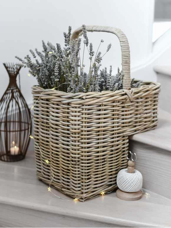 Stair Basket with Hoop Handle