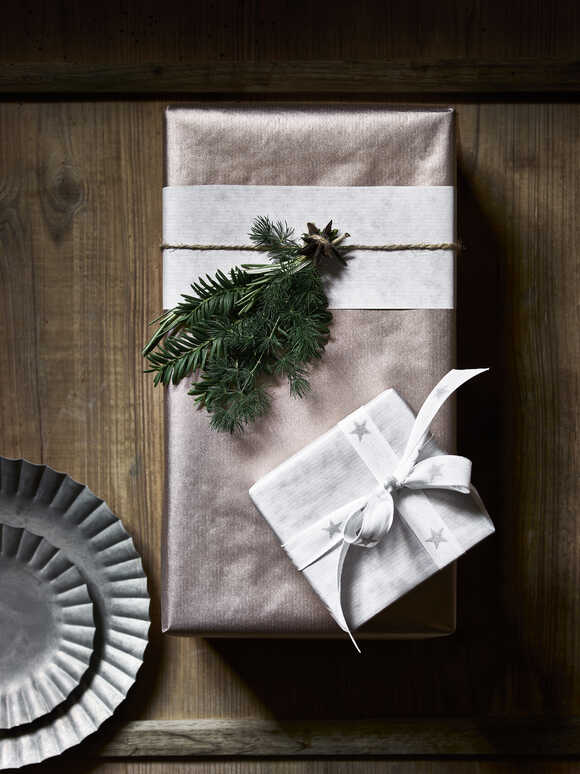 Reversible Kraft Paper Gift Wrap