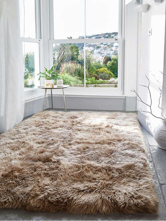 Luxurious XL Sheepskin Rug - Caramel