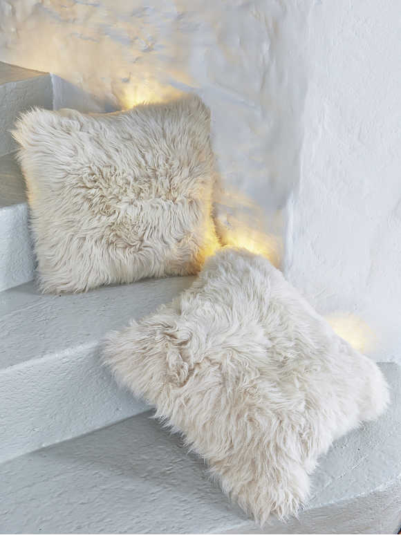 SHEEPSKIN CUSHION - CHAMPAGNE