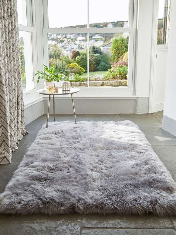 Large Luxurious Sheepskin Rug - Light Grey