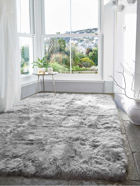 XL SHEEPSKIN RUG - LT GREY