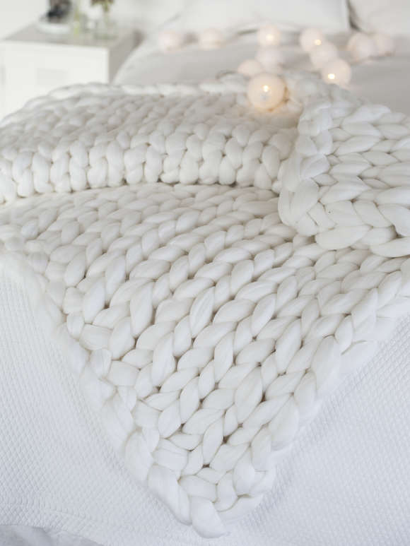 Super Chunky Knit Blanket - Winter White