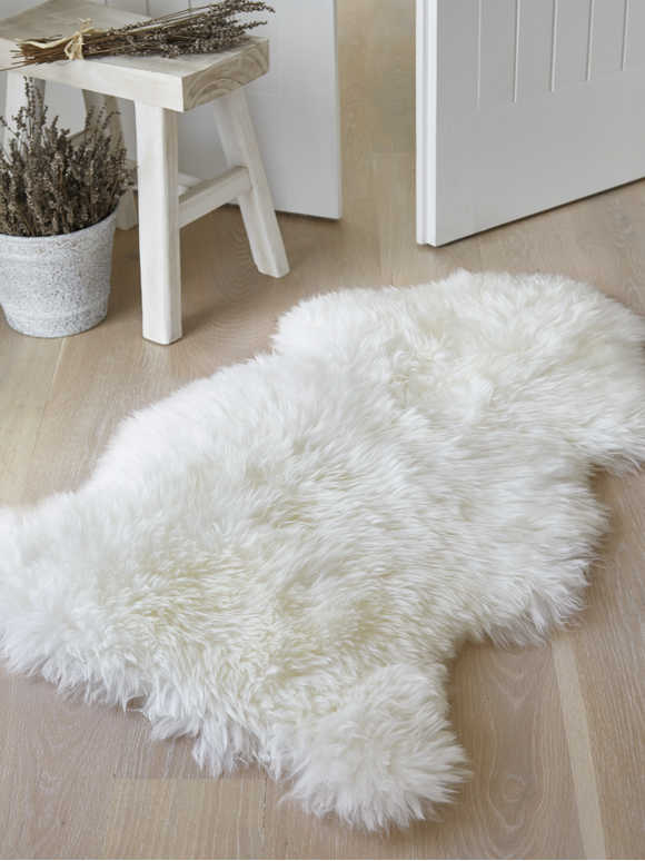 Luxurious Sheepskin Rug - Ivory