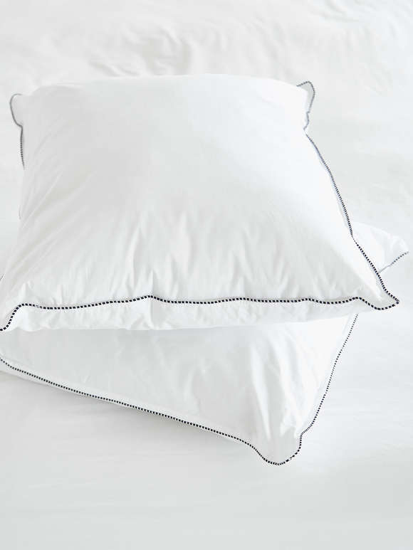 Scandinavian Microfibre Pillow - Medium