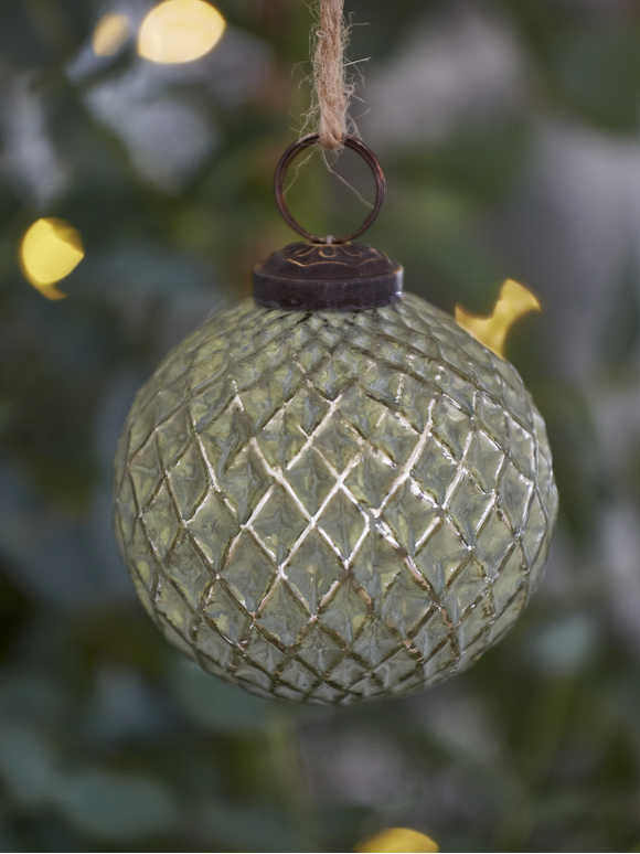 Soft Green Bauble - Harlequin