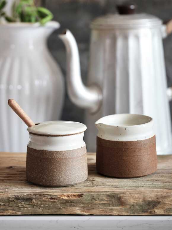 Stoneware Milk and Sugar Set