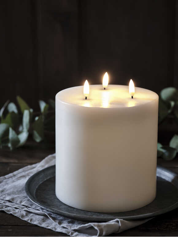 Exquisite Triple Flame LED Candle