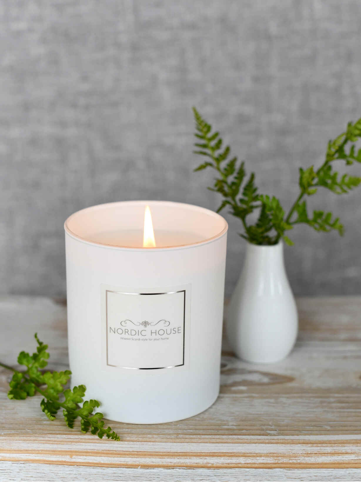 Nordic House Fresh Grapefruit Signature Candle