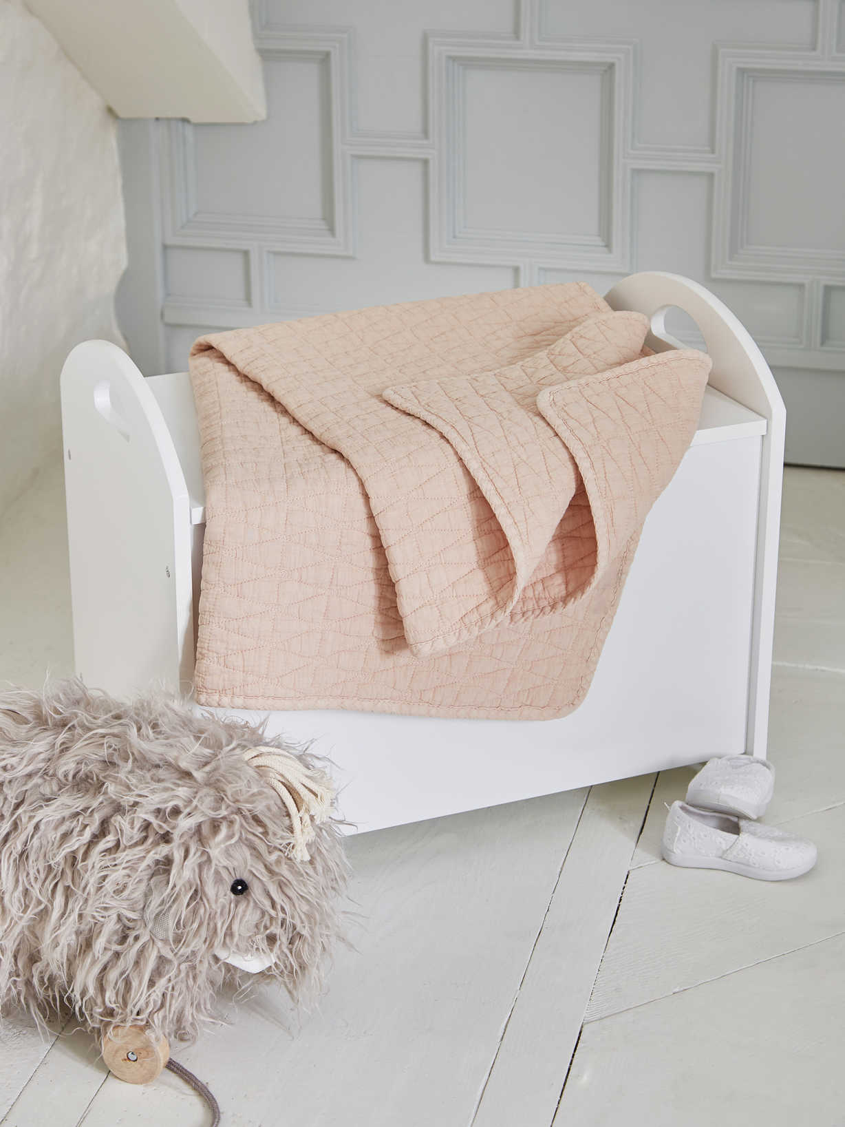 Nordic House Pram Blanket - Sleepy Pink