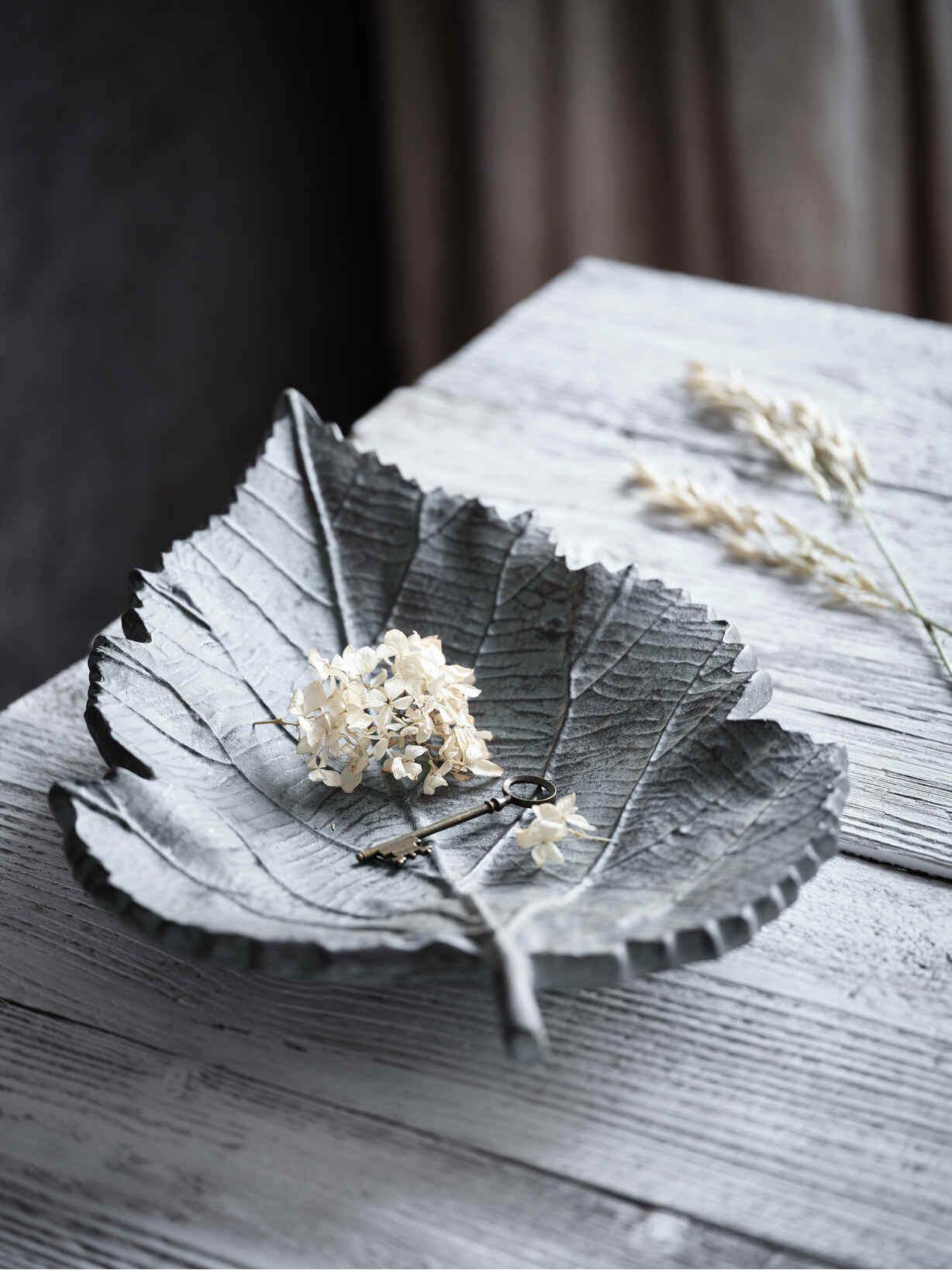 Nordic House Organic Leaf Shaped Bowl