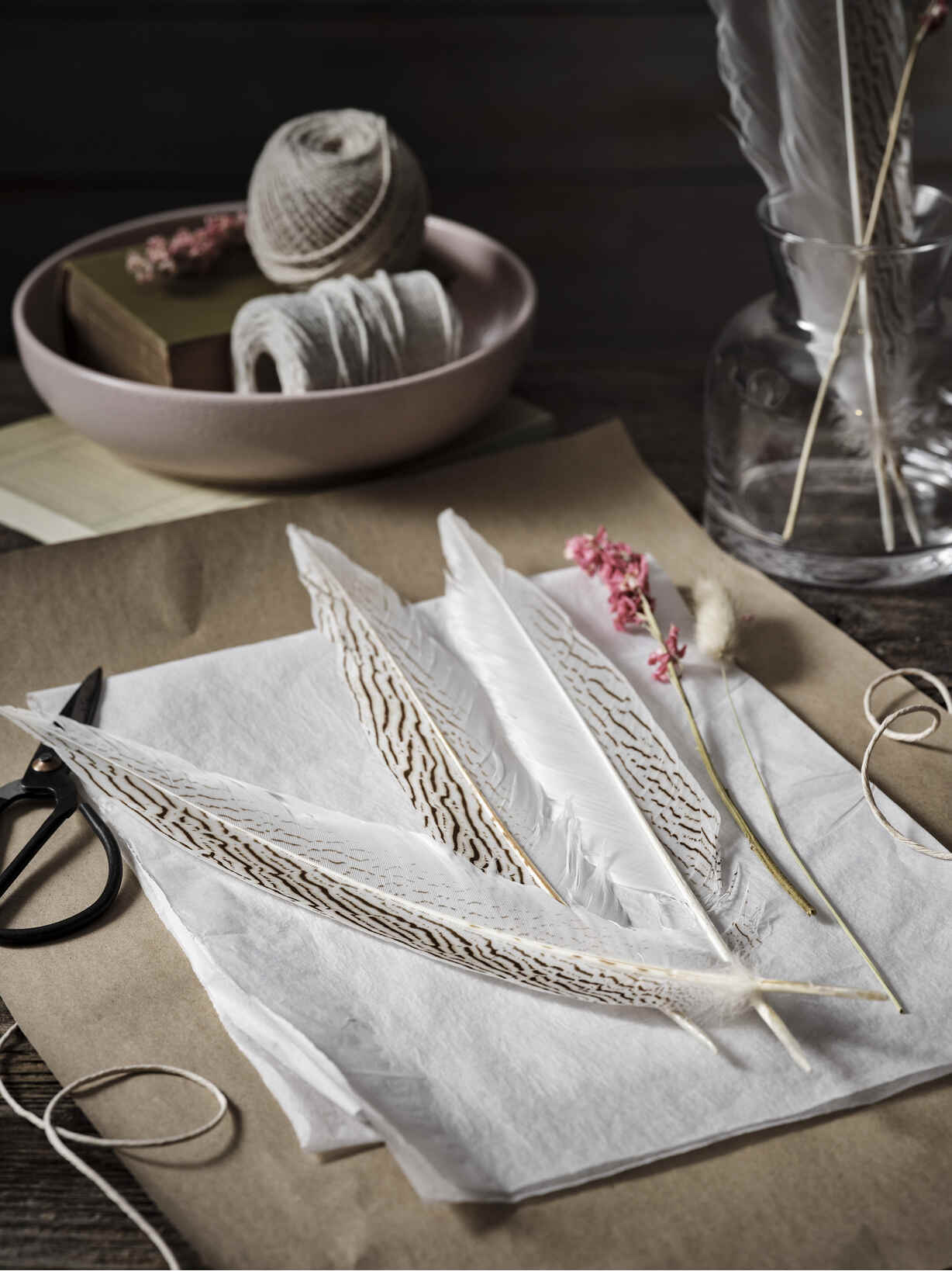 Nordic House Tall Pheasant Feather Set