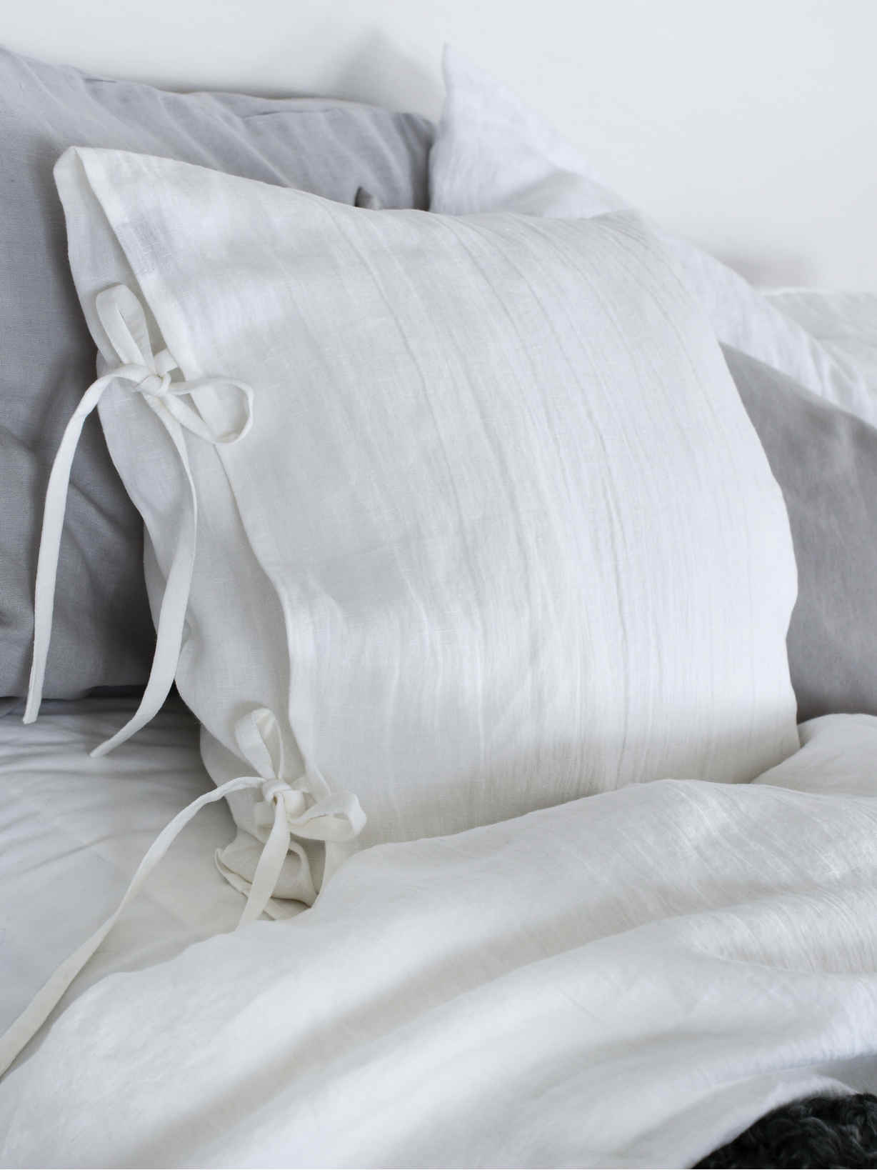 Nordic House White Linen Tie Cushion