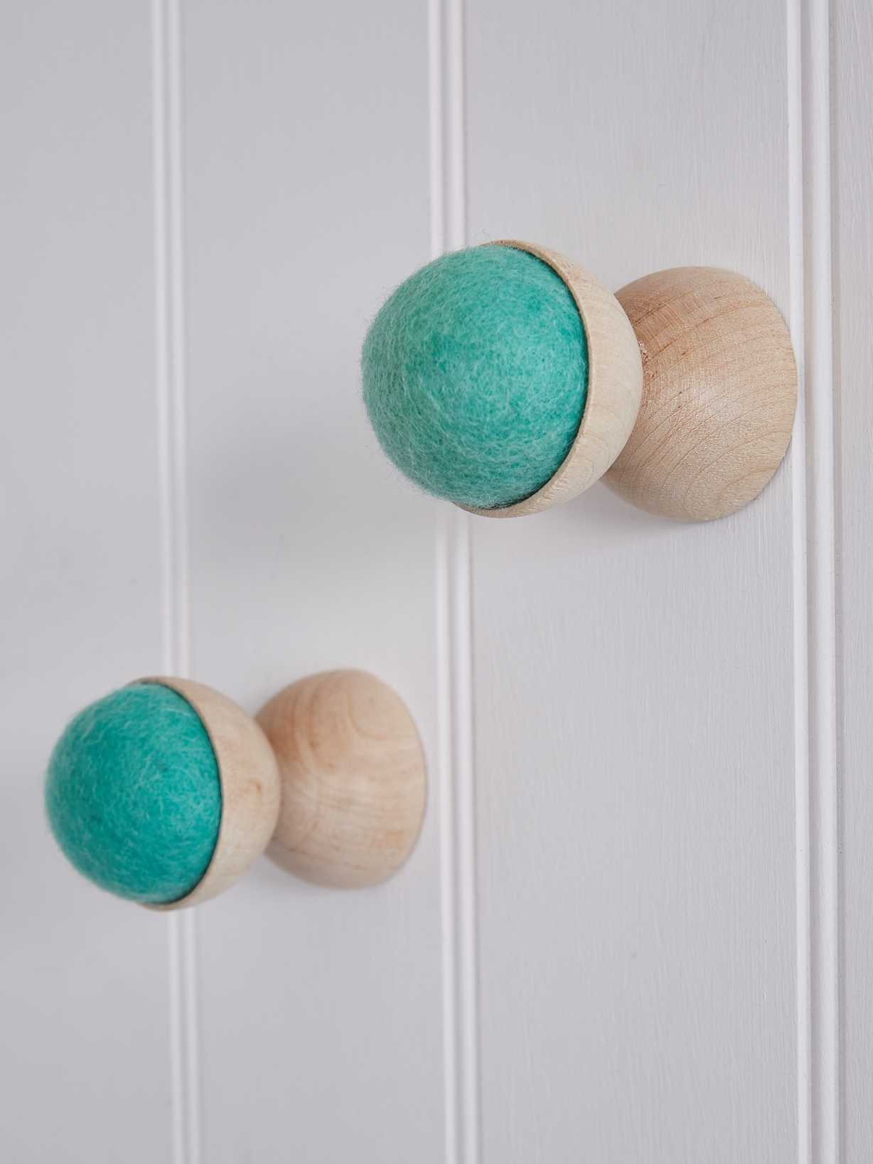 Nordic House Hand-Crafted Wall Hanger - Pistachio