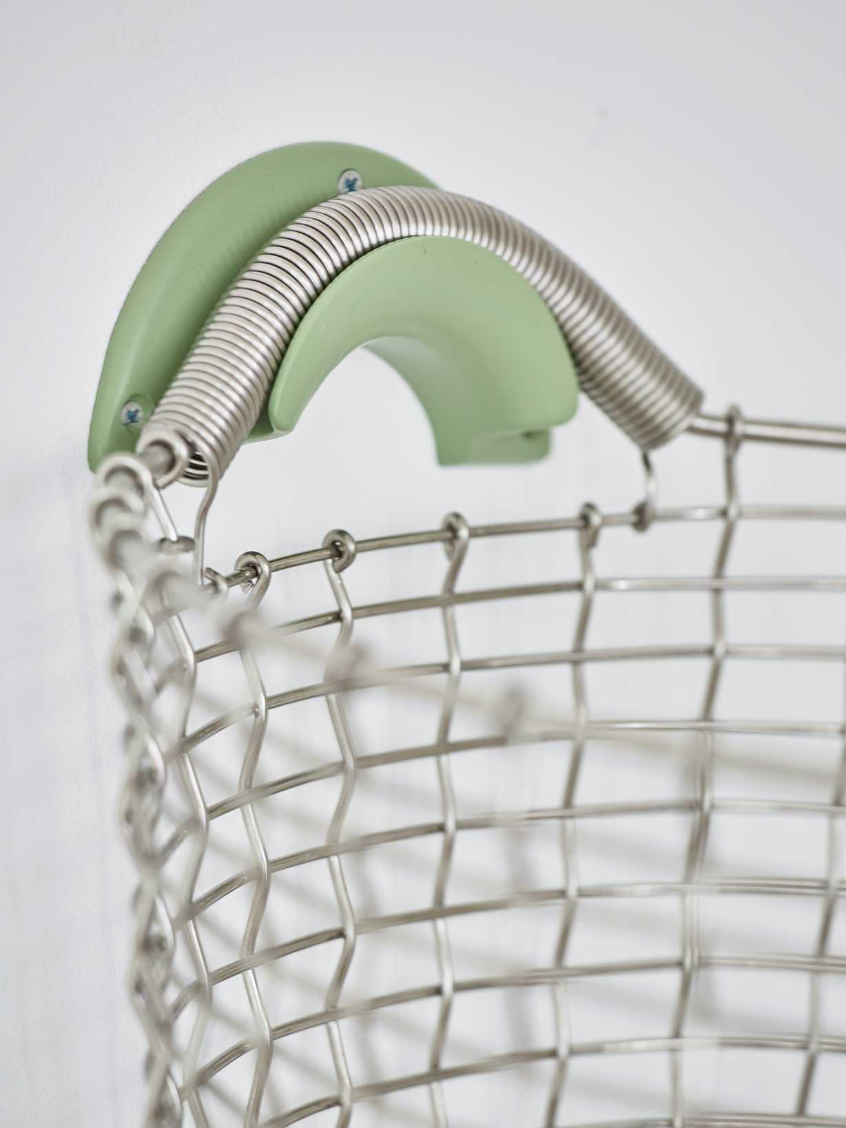 Nordic House Heirloom Basket Hanger - Green