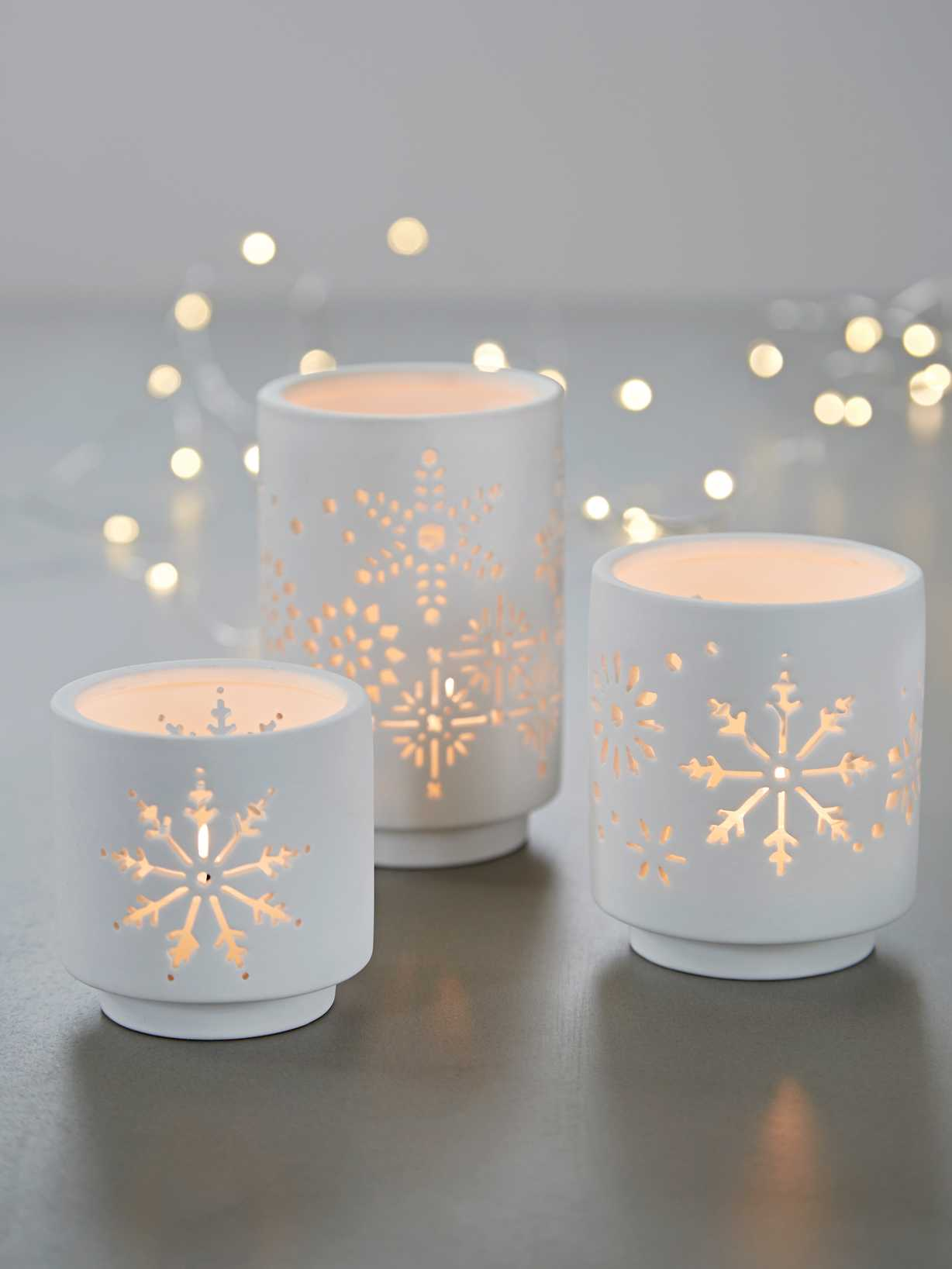 Nordic House Porcelain Snowflake Tealight Set