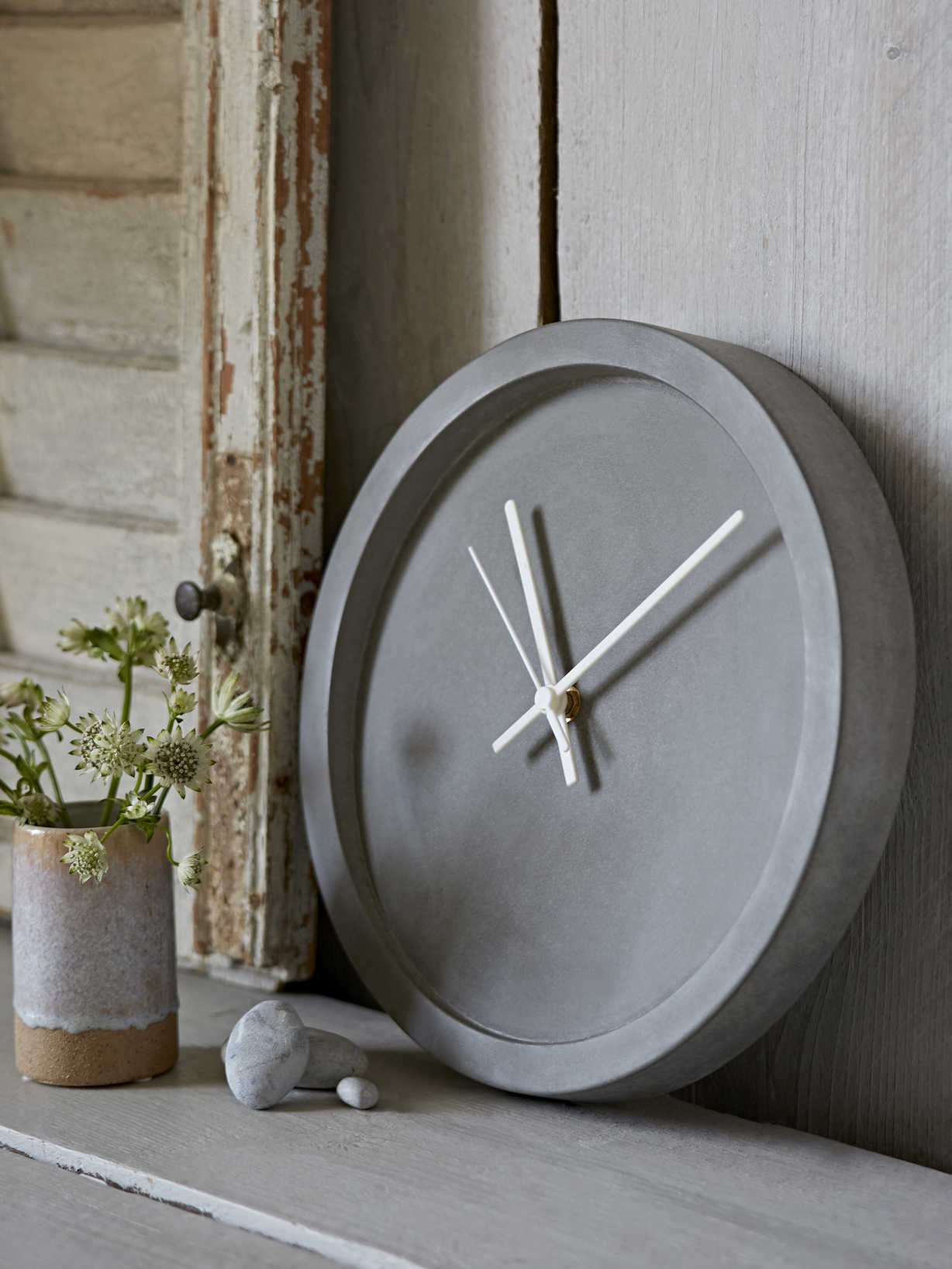 Nordic House Concrete Clock