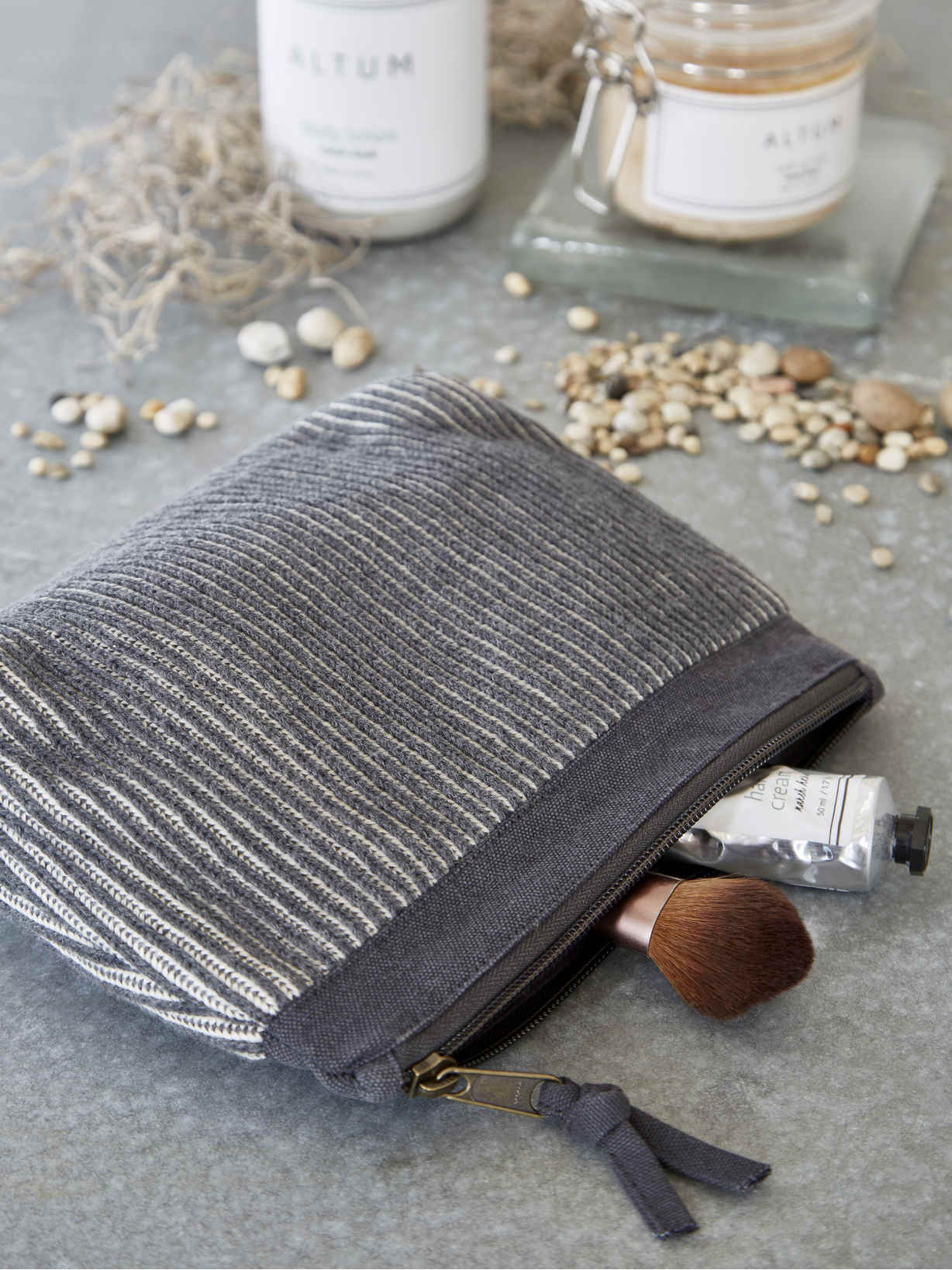 Nordic House Knitted Vanity Bag - Dark Grey
