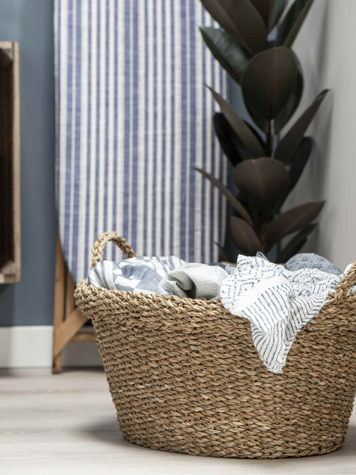 Nordic House Seagrass Laundry Basket