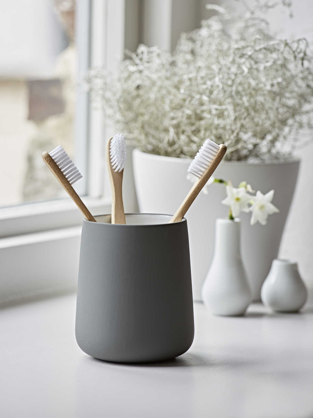 Nordic House Graphite Grey Toothbrush Mug