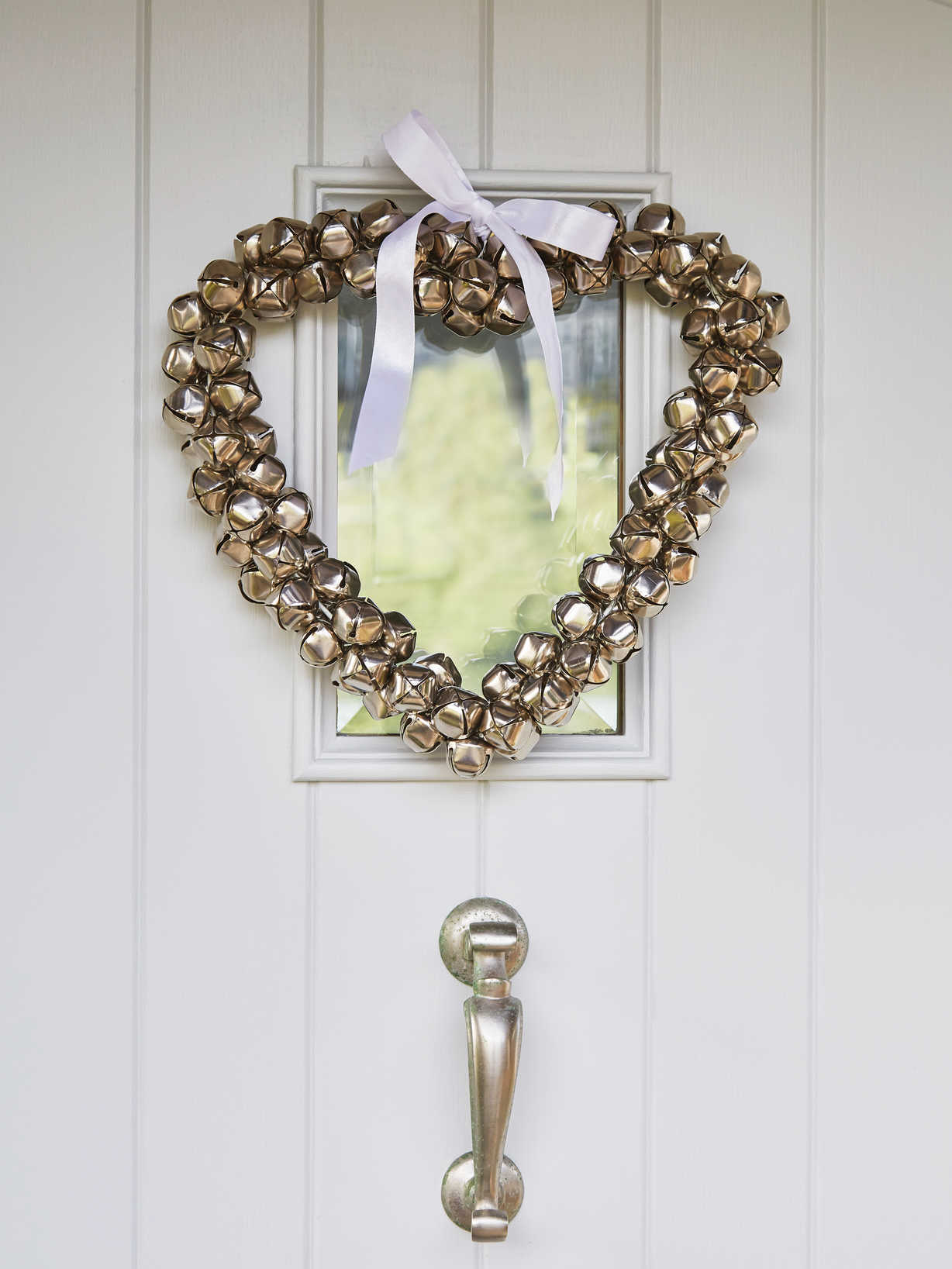Nordic House Heart Bell Wreath