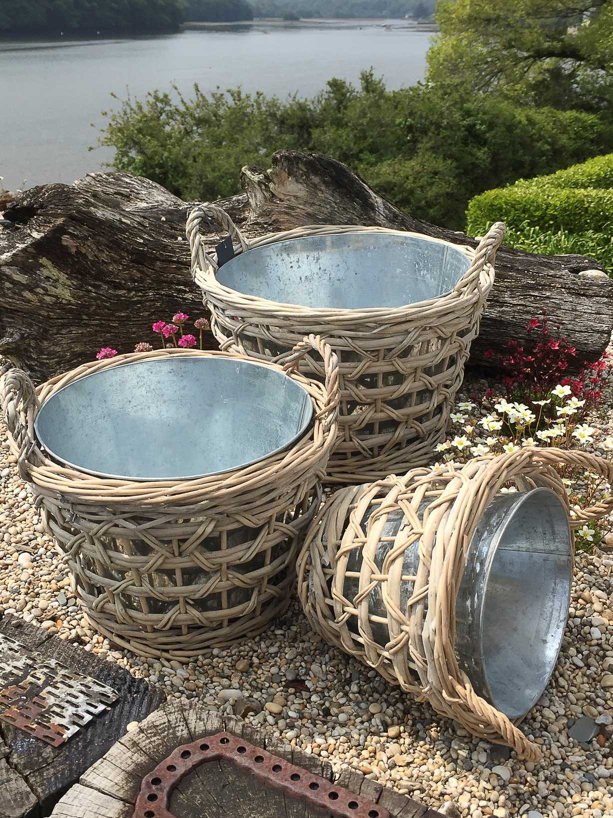 Nordic House Willow and Zinc Planter Set