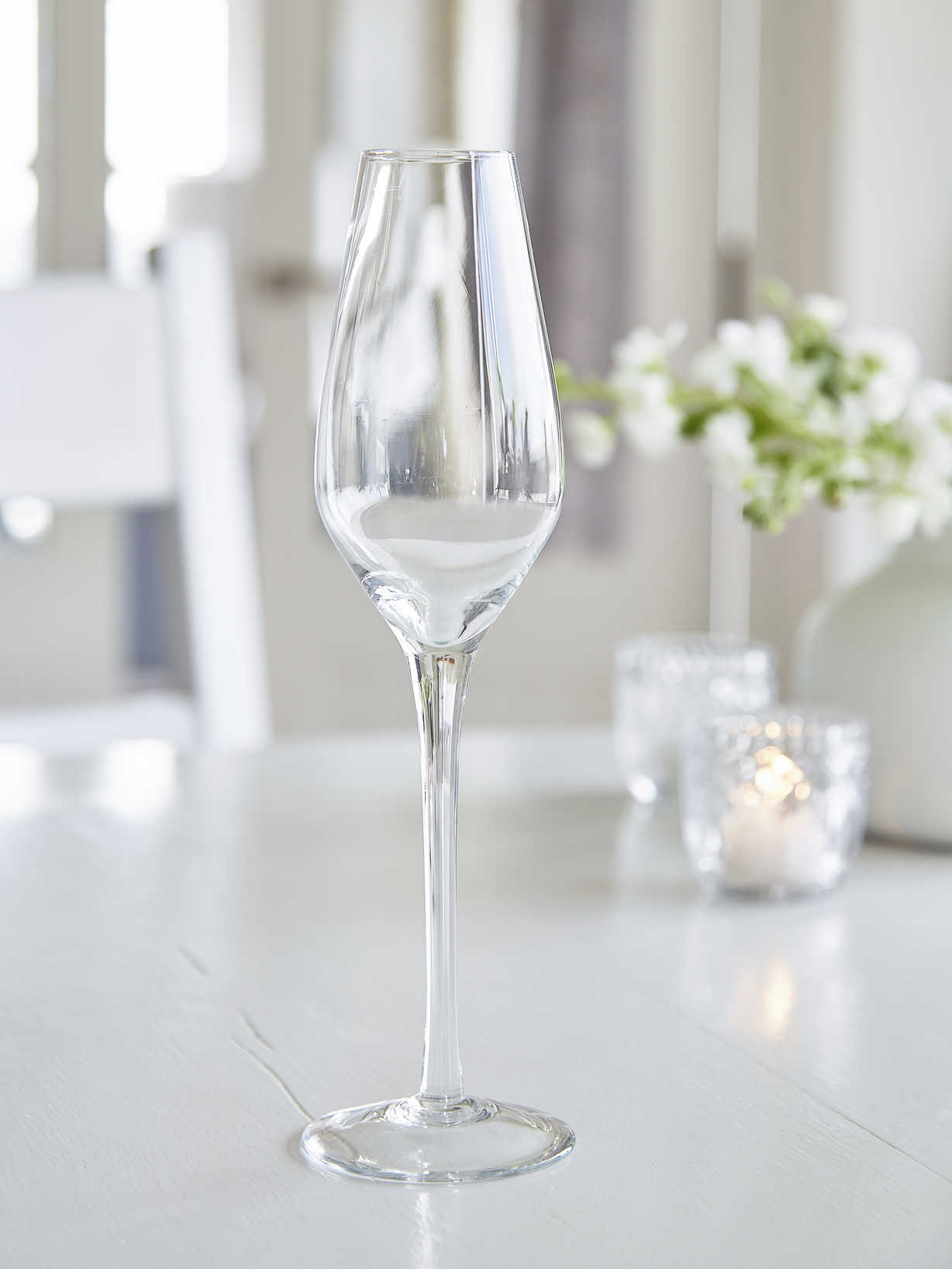 Nordic House Elegant Etched Champagne Glasses