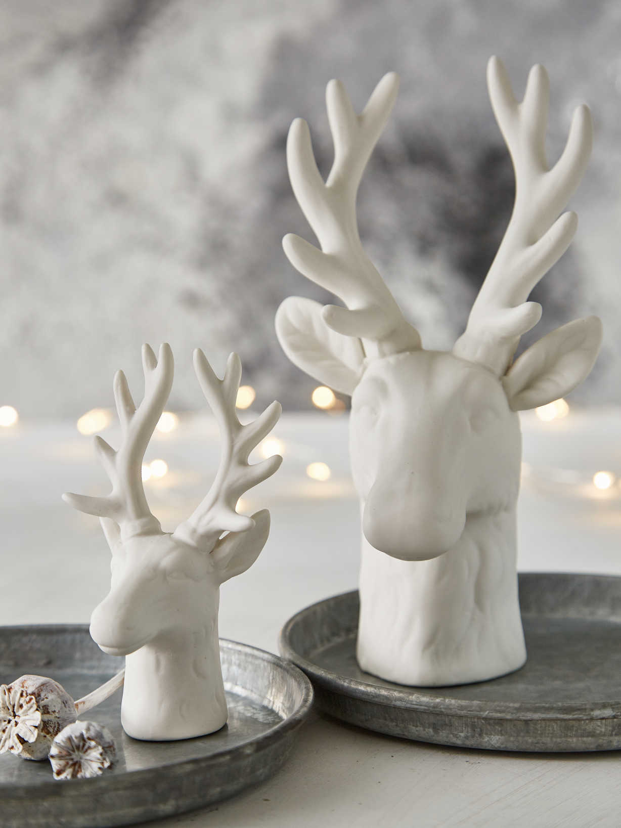 Nordic House Nordic White Deer Heads