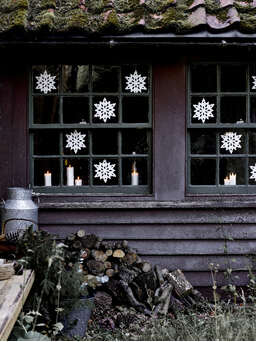 Nordic House Ava Porcelain Window Snowflake