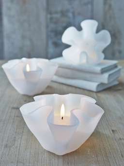 Nordic House Floating Flower Candle