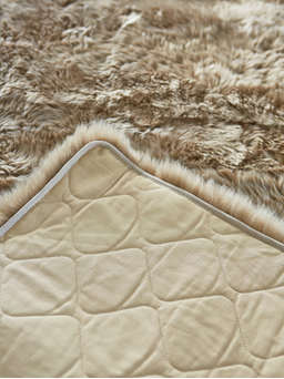 Nordic House Luxurious XL Sheepskin Rug - Caramel