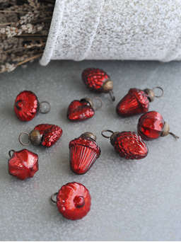 Nordic House Vintage Mini Bauble Set - Red