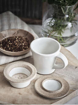 Nordic House Dillie Chai Cup and Strainer Set