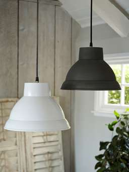 Nordic House Metal Pendant Lamp - White