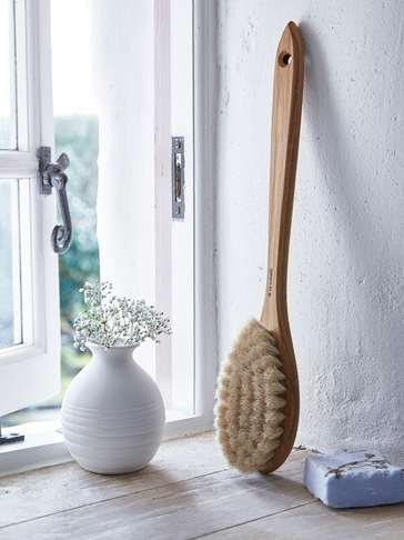 Hand-Crafted Oak Bath Brush