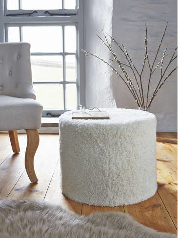 Curly Sheepskin Pouf - Ivory