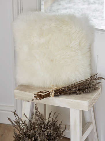 Luxurious Sheepskin Cushion - Ivory