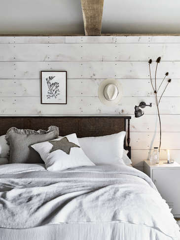 White Pom Pom Linen Bedding