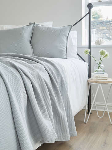 Luxury Quilted Bedspread - Soft Grey
