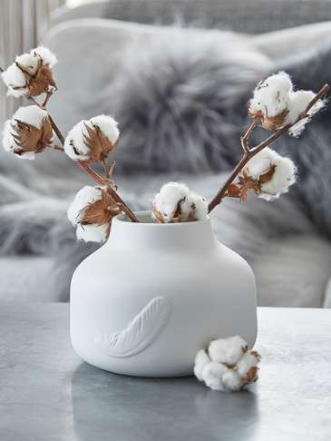 Porcelain Feather Vase