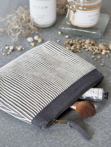 Knitted Vanity Bag - Light Grey